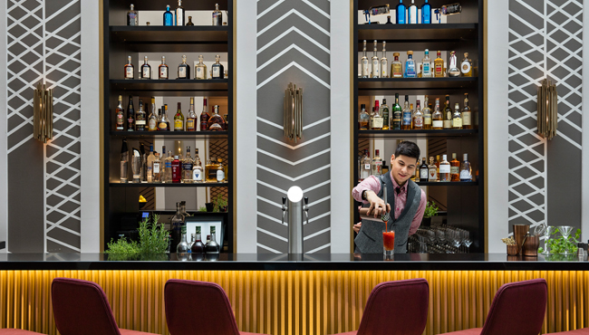 upside_down_bar_bartender_mix_650x370